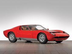 1967 Lamborghini Miura P400 | V12, 3,929 cm³ | 350 bhp | Design: Marcello Gandini, Bertone