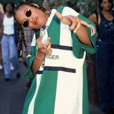 when assholes show too much shits and sass and sarcasms and mean hurtful shits to me nice af blank paper Hip Hop Fashion, 90s Fashion, Fashion Outfits, Moda Vintage, Hip Hop Mode, Mode Hipster, Looks Hip Hop, Ropa Hip Hop, Estilo Hip Hop