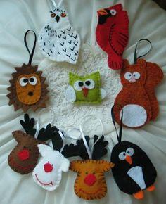 Karácsonyi díszek filcből is készíthetőek, nézd meg hogyan Felt Ornaments, Christmas Ornaments, Christmas Stuff, Crochet Angels, Wool Applique, Felt Flowers, Wool Felt, December, Embroidery