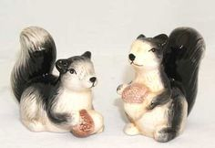 Pass the salt and pepper! These ceramic salt and pepper shakers are sure to please at your next picnic or dinner party!