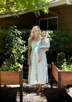 The Kate Midi is the perfect outfit for breastfeeding and pumping mothers. Breastfeeding Dress, Breastfeeding And Pumping, Nursing Wear, Stylish Outfits, Mothers, Fashion Dresses, White Dress, Mom, Chic