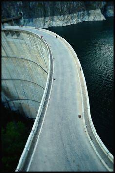Vidraru dam, Romania Beautiful Roads, Most Beautiful, Airplane View, Country, Blue Prints, Romania, Rural Area, Country Music