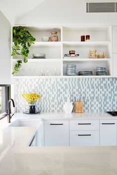 Modern single family residence located in NSW, Australia, designed by Alida and Miller. Kitchen Colors, Kitchen Decor, Kitchen Design, Kitchen Ideas, White Wall Shelves, Contemporary Cabin, House Construction Plan, Scandi Home, Wooden Terrace