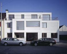 Apartments on Reussstrasse / Degelo Architekten