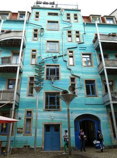 Musical Urban Design: Rube Goldberg-Style Rain Drains-Dresden, Germany