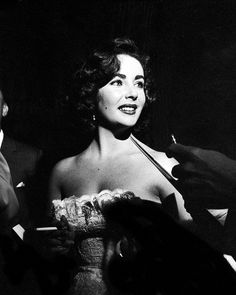 Elizabeth Taylor attends the premiere of the movie 'Moby Dick' on July 2, 1956 in Los Angeles, California.