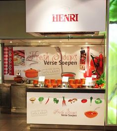 Henri #dutch #design #food Atlantis, Food Retail, Store Interiors, Bar, Food Design, Popcorn Maker, Liquor Cabinet, Kitchen Appliances, Interior Design
