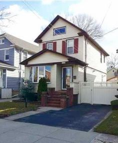 Today's Daily Sold Home is a one family detached colonial home in Graniteville. 123 Woodbine Ave has three bedrooms and three bathrooms. This home sold for $364,500! Looking to sell or buy a home? Contact us today! RealEstateSINY.com #RealEstateSINY #StatenIsland #NewYork #Daily #Sold #Home #OneFamily #Graniteville #RealEstate