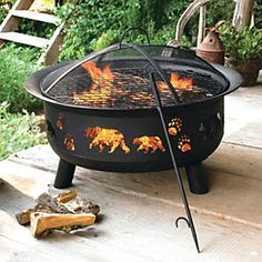 Black Bear Fire Pit, I loveeeeee black bear decor! Country Cabin Decor, Rustic Garden Decor, Rustic Gardens, Black Bear Decor, Black Forest Decor, Log Cabin Homes, Cabins In The Woods, Home Decor, Cabin Fever