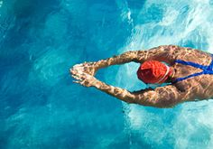 What to eat before a swim. Eating before a swim can be tough, whether you're training for a competition or putting the strokes in to manage weight. Make sure your fuel stores are primed while avoiding discomfort in the pool with James Collins' top tips…