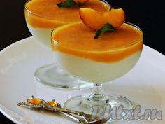 Десерт из творога с желатином и фруктами - очень вкусный и нежный. Он точно понравится детям, да и взрослые не откажутся от вкусного и полезного лакомства. Фрукты для десерта выбирайте спелые, мягкие, но без повреждений. Десерт из творога с желатином и фруктами можно сделать в одной форме, ...