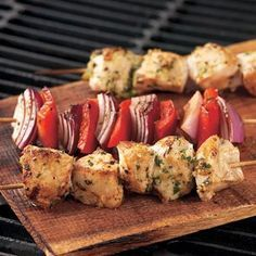 Garlic-Lemon Chicken Kabobs; a great alternative for those that don't like beef kabobs at the next cookout :)
