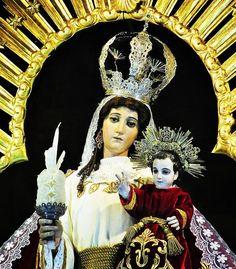 Virgen de Candelaria con toda la devoción y confianza que un hijo pone en su madre quiero ofrecerte hoy mi persona mis cosas y mi vida entera.