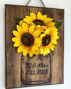 Stunning Farmhouse Wall Decor Ideas You Should Copy Now ⋆ Home & Garden Design Sunflower Room, Sunflower Crafts, Sunflower Kitchen Decor, Sunflower Decorations, Sunflower Bathroom, Home Garden Design, Home Design, Interior Design, Farmhouse Wall Decor