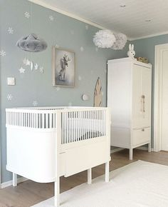 Baby Kinderzimmer Junge - I like this neutral and nit idea for nursery! Don´t you?