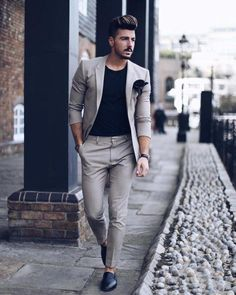 Estilo de ropa hombre y moda casual masculina. Business Casual Men, Men Casual, Suits Outfits, 30 Outfits, Glam Look, Mode Man, Formal Men Outfit, Formal Dresses For Men, Men Formal