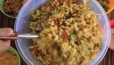 चटपटी भेल 5 मिनट में घर पर बनाये? Bhel Recipe in Gujarati Style in Hindi ||Step By Step photo|| Gujarati Recipes, Indian Food Recipes, Ethnic Recipes, Badam Milk Recipe, Bhel Recipe, How To Make Eggs, Fried Rice, Grains, Agra
