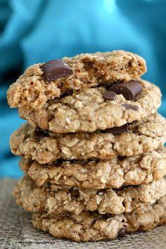 Oatmeal Walnut Chocolate Chunk Cookies - Vegan Richa #vegan #breakfast #cookie