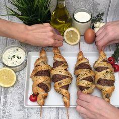 Skewer surprise, recipe video by Chefclub - Leckereien - Comida Recetas Diner Recipes, Mexican Food Recipes, Beef Recipes, Snack Recipes, Cooking Recipes, Chicken Recipes, Healthy Snacks, Healthy Recipes, Good Food