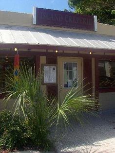Island Creperie: Entry on Bridge Street @ Bradenton Beach!!!