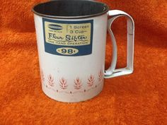 VINTAGE ANDROCK 1 SCREEN - 3 CUP FLOUR SIFTER - ONE HAND OPERATION