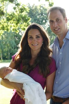 Duke and Duchess of Cambridge: Catherine and Prince William w/ Prince George of Cambridge. (3rd great grandchild to Queen Elizabeth II).