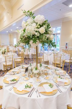 Floral Wedding Centerpieces Planning and Tips - Love It All Simple Wedding Centerpieces, Wedding Table Centerpieces, Wedding Flower Arrangements, Flower Centerpieces, Wedding Bouquets, Wedding Decorations, Centerpiece Ideas, Centrepieces, Black Tie Wedding