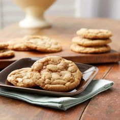 This cookie recipe delivers the perfect balance between soft cookie and chewy toffee, thanks to HEATH BITS 'O BRICKLE Toffee Bits. Toffee Bits Cookie Recipe, Toffee Cookies, Chewy Sugar Cookies, Yummy Cookies, Toffee Dip, Toffee Bark, Almond Toffee, Butterscotch Cookies, Toffee Candy