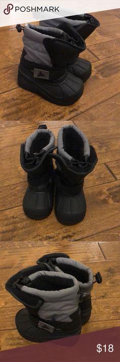 EUC snow boots Boys or girls size 6 Athletech Shoes Rain & Snow Boots
