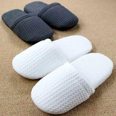 $8.91 (Buy here: http://appdeal.ru/9caq ) Chinelos Homem Pantufa Hotel Bedroom Winter Women Indoor Slippers For Men Travel Floor Plush Lattice Home Shoe Pantoufle Femme for just $8.91