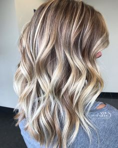 20 Caramel Highlights for Dark Brown Hair 2019, Caramel highlights for Dark Brown Hair can come in many varieties; from subtle highlights to the bold and distinct. You should not go wrong with caram..., Hair Color
