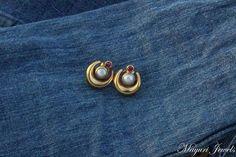 Diamond Earrings / Diamond Studs in Gold / Evil Eye Diamond Earrings / Evil Eye Jewelry / Gold Jewelry / Gift for Her - Fine Jewelry Ideas Kids Gold Jewellery, Gold Jewelry Simple, Gold Jewellery Design, India Jewelry, Bridal Jewellery, Fine Jewelry, Gold Bangles Design, Gold Earrings Designs, Gold Designs