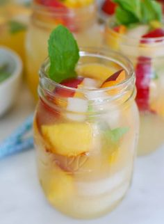 Looking for a simple, delicious, sangria recipe? Try out this 3 Step Sangria! Skinny Sangria, Moscato Sangria, Whiskey Ginger, Ginger Ale, Ginger Juice, Juice 2, Bourbon Whiskey, Triple Sec, Sangria Recipes