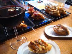 En #Zaragoza no está muy extendida la costumbre de la #tapa gratis con la bebida. Aunque algunos locales como La Valentina, la va adaptando. #tapaszaragoza #bareszaragoza #baresdetapaszaragoza #comerzaragoza #restaurantes #comidas #cenas