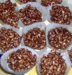 Risboller 250g Delfiafett 200g Kokesjokolade 2 Egg 2dl Sukker 3ss Kaffe (Gjerne litt sterk) 100g Puffet Ris Slik gjør du: *Smelt...
