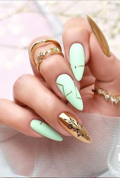 New and Fresh Designs To Enhance Your Almond Nails Part 13 ; almond nails french tip; Fancy Nails, Pink Nails, Cute Nails, Black Nails, Glitter Nails, Perfect Nails, Gorgeous Nails, Almond Nails French, Nailart
