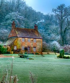 Hampshire House, Hampshire England, England Countryside, British Countryside, Cozy Cottage, Cottage Homes, Cottage Living, Stone Landscaping, English Country Cottages