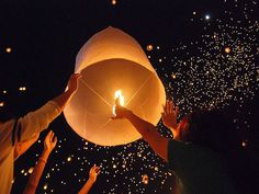 How To Make Floating Lanterns | How to light a sky lantern