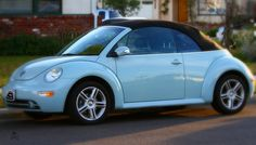February 2011 - Heaven Blue Metallic Volkswagen Beetle Convertible Used the now gone Picnik to edit: soft focus, soft edges, blur, more blur Beetle Car, Blue Beetle, My Dream Car, Dream Cars, Beetle Convertible, All Cars, Future Car, Vw Beetles, Body Mods