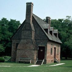Lynnhaven House  1724–1725. 1971–1976, restoration. 4405 Wishart Rd.   Built for Francis Thelabell III and his wife Abigail in the early eighteenth century, the Lynnhaven House is a remarkably well-preserved farmer's dwelling. Its vernacular late medieval design seems to indicate resistance in the lower Tidewater to the academic Georgian manner then emerging in other parts of the colony. The oneand-one-half-story house derives its current name from a nearby branch of the Lynnhaven River.