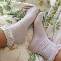 Find images and videos about girl, cute and aesthetic on We Heart It - the app to get lost in what you love. Frilly Socks, Lace Socks, Ankle Socks, Cool Socks For Men, Pretty Outfits, Cute Outfits, Daddys Girl, Fashion Socks, Sock Shoes