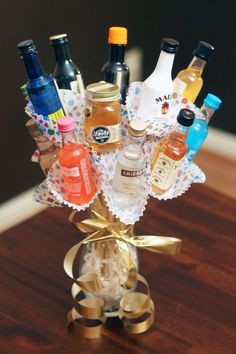 How to Make a Mini Liquor Bottle Bouquet // Hel on Heels A bottle is definitely a narrow-necked cont Mini Alcohol Bottles Gifts, Alcohol Gift Baskets, Liquor Gift Baskets, Liquor Bottle Crafts, Mini Liquor Bottles, Wine Bottle Gift, Alcohol Gifts, Wine Gifts, Liquor Bottle Cake