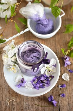 Kitchen Witch, Natural Beauty, Diy And Crafts, Beauty Hacks, Perfume, Herbs, Vegetables, Tableware, Health