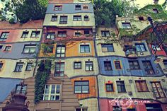 Hundertwasserhaus :: Vienna, Austria