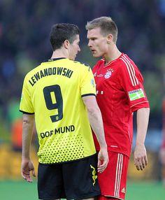 Robert Lewandowski losing the staring match to Holger Badstuber