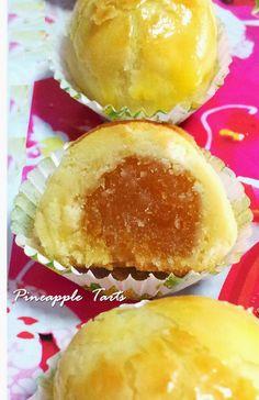 Little Joy Factory: Best Melt-in-the-Mouth Pineapple Tarts (Sonia& Recipe) Pineapple Cookies, Pineapple Tart, Pineapple Recipes, Tart Recipes, Sweet Recipes, Baking Recipes, Cookie Desserts, Cookie Recipes, Dessert