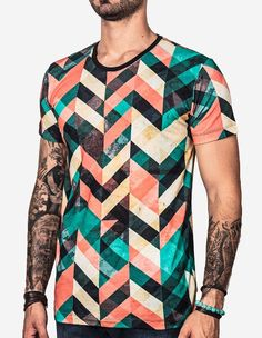 If you are looking for a cornrow style, then dive deep into this article for some amazing style choices. Braids are increasingly growing in popularity by the day. Man Street Style, Outfits Hombre, Look Man, Moda Casual, Dope Fashion, Stylish Men, Cool T Shirts, Printed Shirts, Shirt Designs
