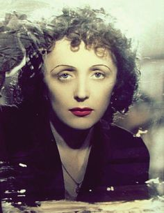 Edith Piaf 1945
