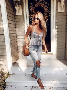 Awesome Spring Outfits Ideas for Women Trending Right Now During the spring time, there are few trending outfits often s Trendy Summer Outfits, Spring Outfits Women, Cute Casual Outfits, Boho Outfits, Fashion Outfits, Summer Fashions, Speing Outfits, Date Outfit Summer, Teenage Outfits