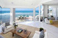 Gorgeous Beachfront Residence in Malibu, USA